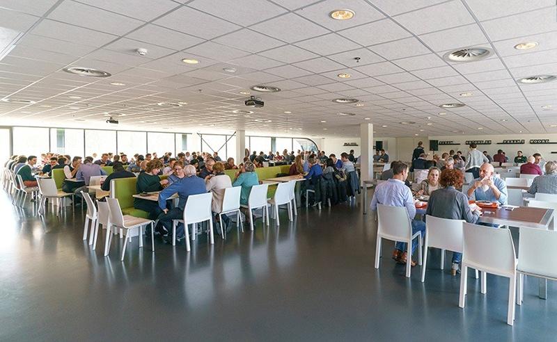 52Nijmegen is een bedrijfsverzamelgebouw, een (science) verzamelgebouw, met meerdere kennisintensieve huurders. En een aantal andere huurders die de voordelen zien van het netwerken op Novio Tech Campus, NXP terrein en Nijmegen en omgeving. Het pand is van Kadans Science Partner en staat op de Novio Tech Campus in Nijmegen. 52 Nijmegen / 52 Degrees Nijmegen / naast NXP.