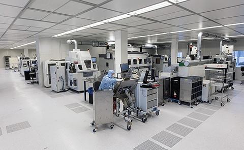 Gebouw M op Novio Tech Campus in Nijmegen biedt kennisintensieve bedrijven en instellingen, alsmede Startups, kantoorruimte, gezamenlijke vergaderruimtes, en gedeelde of eigen R&D faciliteiten op maakt, zoals laboratoria, cleanrooms, pilotplants en multifunctionele onderzoeksruimten.