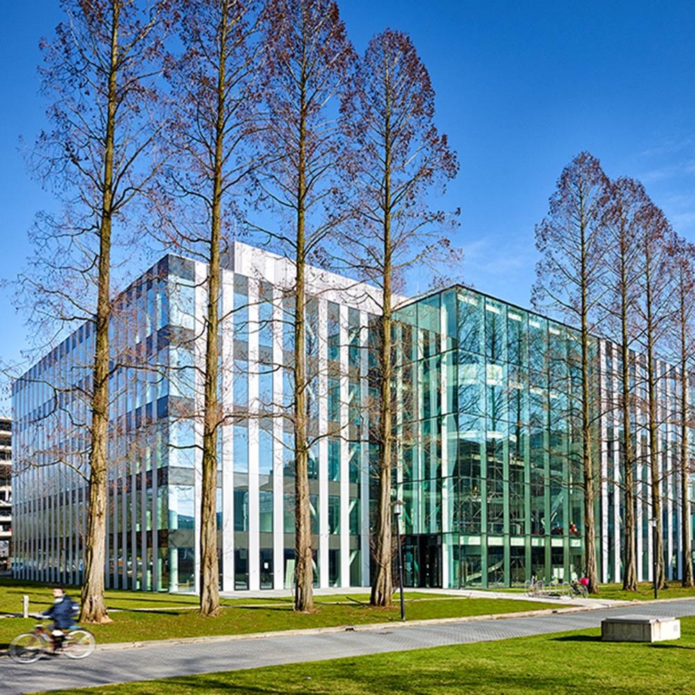 Utrecht Science Park. Het Genmab R&D Center op het Utrecht Science Park wordt door Kadans Science Partner gefaciliteerd. Het pand beschikt over onderzoeksfaciliteiten zoals laboratoria.
