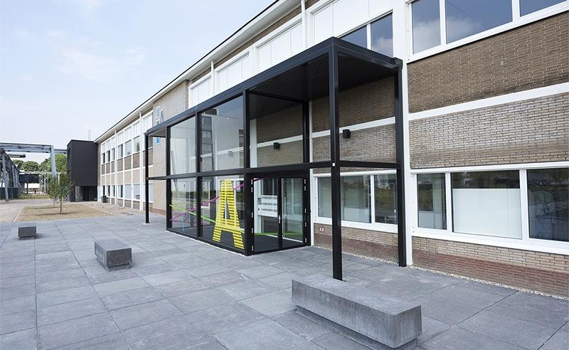 Gebouw A op Novio Tech Campus in Nijmegen biedt kennisintensieve bedrijven en instellingen, alsmede Startups, kantoorruimte, gezamenlijke vergaderruimtes, en gedeelde of eigen R&D faciliteiten op maat, zoals laboratoria, cleanrooms, pilotplants en multifunctionele onderzoeksruimten.