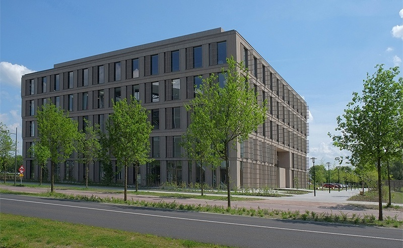 Plus Ultra Wageningen Campus. Science bedrijfsverzamelgebouw van verhuurder Kadans Science Partner met R&D faciliteiten, zoals laboratoria, cleanrooms, pilot plants en multifunctionele onderzoeksruimten.