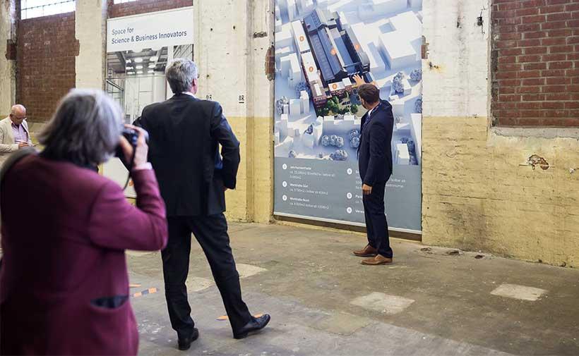 Mayor visiting Campus Jahrhunderthalle Aachen